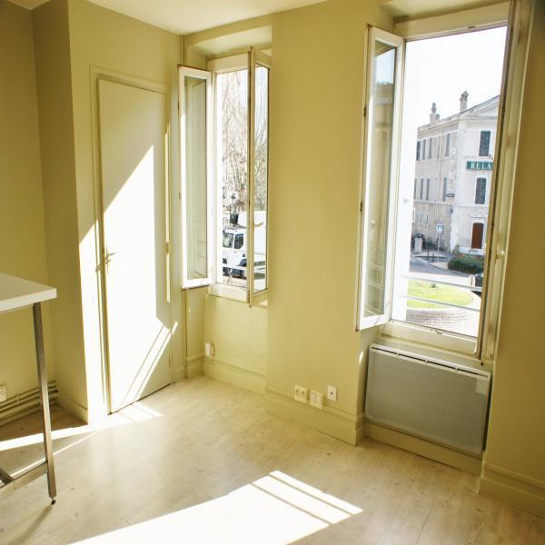 Offres de location Studio Montélimar 26200
